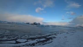 Lago glaciale Jokulsalron durante il mese di febbraio archivi video