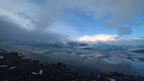 Lago glaciale Jokulsalron durante il mese di febbraio video d archivio