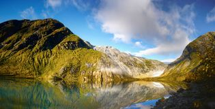 Lago glaciale mountain, Norvegia Immagini Stock Libere da Diritti