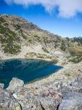 Lago glacier no parque nacional Bulgária do rila imagem de stock royalty free