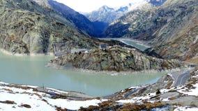 Lago Grimsel en las montañas suizas Imágenes de archivo libres de regalías