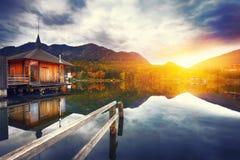 Lago Grundlsee in montagne delle alpi Immagine Stock Libera da Diritti