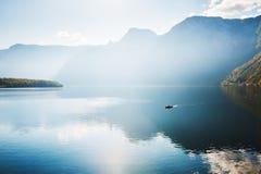 Lago Hallstatter in alpi austriache ad alba Fotografie Stock