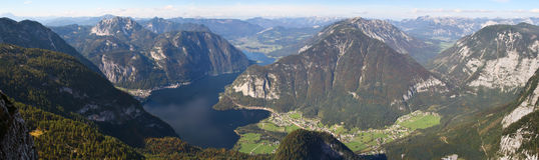 Lago Hallstattersee mountain Imagenes de archivo