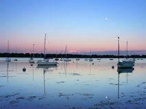 Lago Harriet Sailboats no por do sol Imagens de Stock