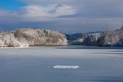Lago helado Fotos de archivo libres de regalías