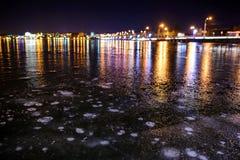 Lago helado en el camino de la noche Fotografía de archivo libre de regalías