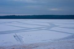 Lago helado en Polonia Imagenes de archivo