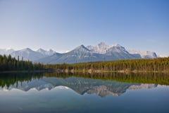 Lago herbert - parque nacional de Banff Fotografía de archivo libre de regalías