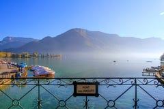 Lago hermoso Imágenes de archivo libres de regalías