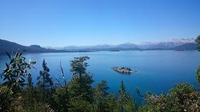 Lago hermoso cerca de Bariloche, la Argentina Imagen de archivo