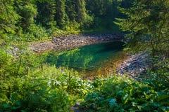 Lago hermoso de la montaña Imagenes de archivo