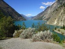 Lago hermoso en Columbia Británica, Canadá Duffey Imagenes de archivo