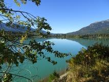 Lago hermoso en Columbia Británica, Canadá Duffey imágenes de archivo libres de regalías