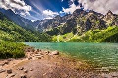 Lago hermoso en las montañas de Tatra en el amanecer Fotografía de archivo libre de regalías