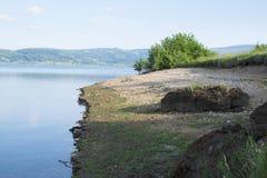Lago hermoso Serbia Vlasina en verano Imagen de archivo libre de regalías