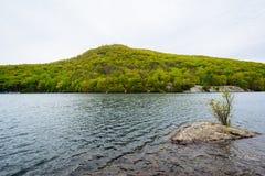 Lago hessian, en el parque de estado de la monta?a del oso, Nueva York fotografía de archivo