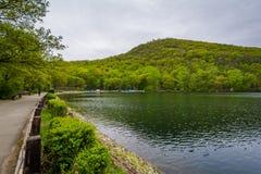 Lago hessian, en el parque de estado de la monta?a del oso, Nueva York fotos de archivo