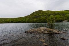 Lago hessian en montaña del oso en el norte del estado Nueva York fotos de archivo libres de regalías