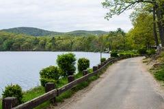 Lago hessian en montaña del oso en el norte del estado Nueva York fotos de archivo