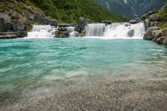 Lago high mountain in montagna della neve del yulong Immagine Stock