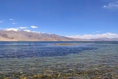 Lago himalayano di moriri di TSO della montagna nella regione del ladakh di Jammu e Kashmir Immagine Stock Libera da Diritti