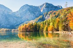 Lago Hinterer Langbathsee in alpi austriache Fotografie Stock