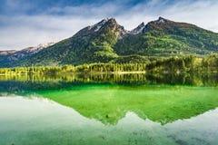 Lago Hintersee in alpi all'alba, Germania Immagine Stock Libera da Diritti