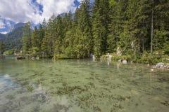 Lago Hintersee in alpi austriache Fotografie Stock