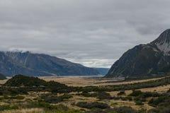 Lago hooker, uma das caminhadas as mais populares no cozinheiro National Park de Aoraki/Mt, Nova Zelândia imagens de stock royalty free