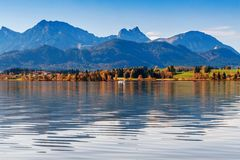 Lago Hopfensee Baviera, Alemanha Fotos de Stock