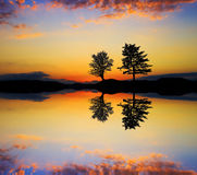 Lago il piede della montagna Fotografia Stock