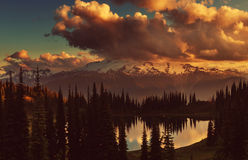Lago image Imagenes de archivo