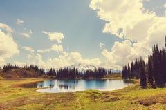 Lago image Imagen de archivo libre de regalías