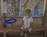 Lago Inle, Myanmar, el 10 de noviembre de 2014 la muchacha con los anillos de oro en el cuello Imágenes de archivo libres de regalías