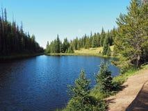 Lago Irene em Rocky Mountains National Park imagens de stock