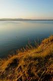 Lago Irtyash, Urales meridionales, Rusia - paisaje pintoresco de la puesta del sol del verano Imagen de archivo