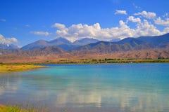 Lago Issyk Kul Immagini Stock Libere da Diritti
