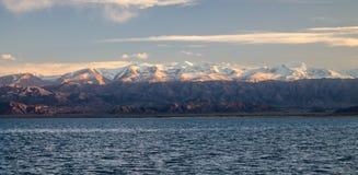 Lago Issyk-Kul Foto de Stock Royalty Free
