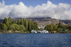 Lago Issyk-Kul em Quirguizistão Fotos de Stock Royalty Free