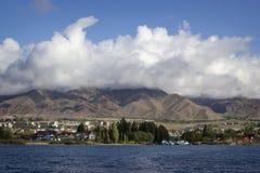 Lago Issyk-Kul en Kirguistán Foto de archivo libre de regalías