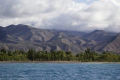 Lago Issyk-Kul en Kirguistán fotografía de archivo libre de regalías