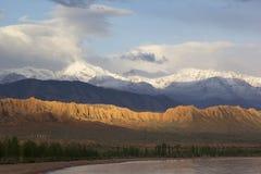 Lago Issyk-Kul en Kirguistán, Asia Central imagen de archivo