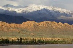 Lago Issyk-Kul en Kirguistán, Asia Central foto de archivo libre de regalías