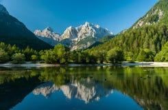 Lago Jasna, Kranjska Gora, Slovenia Fotografia Stock Libera da Diritti