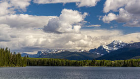 Lago Jasper National Park, Alberta, Canada pyramid fotografie stock