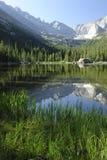 Lago jewel in montagne rocciose del Colorado Immagine Stock Libera da Diritti