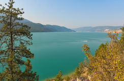 Lago Kalamalka vicino a Vernon Fotografia Stock