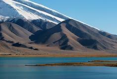 Lago kara-Kul Foto de archivo libre de regalías