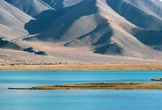 Lago kara-Kul Fotografía de archivo libre de regalías